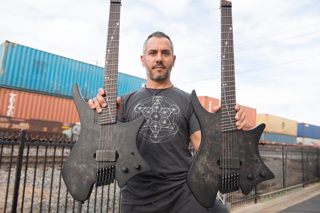 Paul Masvidal with his new MASVIDALIEN COSMO signature model Strandberg guitar